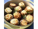 Αγκινάρες γεμιστές με κιμά και μπεσαμέλ - gourmed.gr