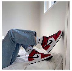 Dr Shoes, Swag Shoes, Cute Nike Shoes, Nike Air Shoes, Hype Shoes, Shoes Sneakers, Shoes Heels, Jordan Shoes Girls, Girls Shoes