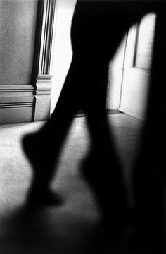 Ralph Gibson. USARalph Gibson is an American art photographer best known for his photographic books. His images often incorporate fragments with erotic and mysterious undertones, building narrative meaning through contextualization and surreal juxtaposition. Wikipedia Education: San Francisco Art Institute (1960–1962) Books: Days at Sea, State of the axe, Deja-Vu: Second in the Black Trilogy, MORE