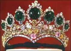 Tiara of Farah Diba Pahlavi (by Harry Winston), Empress of Iran, Shabanou  : the wedding other one