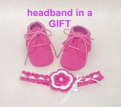 Shoes, fuchsia, girl booties, free headband, baby moccs, the first shoes, baby soft sole walker shoes for girls with fringe, cowboy boots