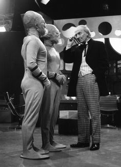 """The First Doctor, aka Weird Preacher Man. I Ranking The """"Doctor Who"""" Doctors By Someone Who Has Never Watched The Show Doctor Who Tv, First Doctor, Eleventh Doctor, First Dr Who, Serie Doctor, Dr Williams, William Hartnell, Classic Doctor Who, Science Fiction Series"""