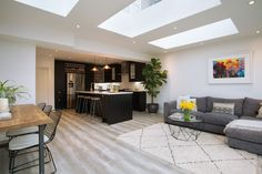 How To Quickly And Easily Create A Living Room Furniture Layout? Lounge Diner Ideas, Kitchen Diner Lounge, Open Plan Kitchen Dining Living, Kitchen Sofa, Kitchen Diner Extension, Open Plan Kitchen Diner, Open Plan Living, Living Room Kitchen, Kitchen Layout