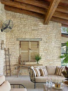 combinadas com cores e realçadas pela iluminação, enriquecem a decoração e deixam os ambientes acolhedores.                                ...