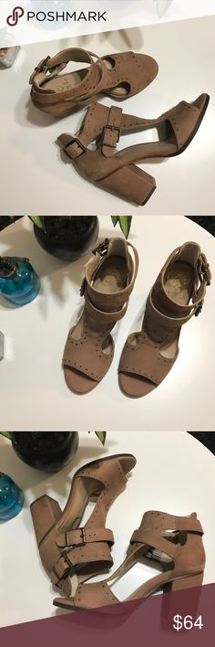Vince Camuto light brown sandals Great chunky heel light brown/tan sandals.  I only wore these once.  Like new condition.  Bundle for best deals. Vince Camuto Shoes Sandals