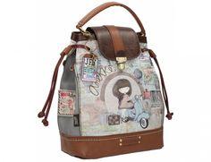A N E K K E official: Bolso en forma de saco o judas. La solapa en cuero y hebilla estilo vintage, con el asa de mano, hacen de este bolso el ideal para recorrer cada rincón de tu ciudad o sendero favorito