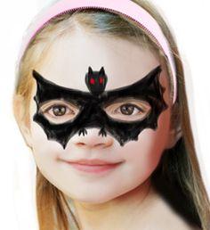 Maquillage chauve souris enfant. Dessiner ... Halloween Tags, Halloween 2018, Halloween Party, Halloween Face Makeup, Bat Makeup, Easy Hairstyles For Kids, Maila, Easy Youtube, Tricks