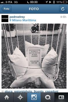 un grande classico. vendere poltrone senza provarle. @Pier Luca Santoro