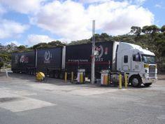 rodotrem australiano branco sider freightliner.jpg