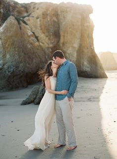 Relaxed Coastal Engagement Session   Wedding Sparrow   Cassidy Carson Photography