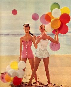 Balloons on the Beach <3 1950's