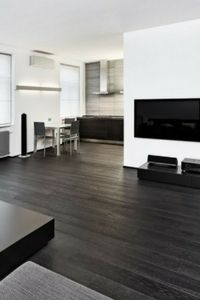 Best Paint Colors For Ing A House And Check Out These Stylish Black Hardwood Floors Painting Realestate Dark