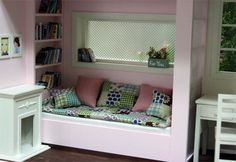 Barbie sized roombox - so cute!