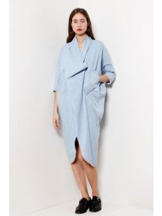 It actually may not get better than this. Volume, light denim (the not-so-new-new), unique asymmetry. DONE. 69 Denim Cocoon Dress - Light Wash