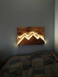 illuminated mountains wall art contact me for details on how to do it or if you are where .- beleuchtete Berge Wandkunst kontaktieren Sie mich für Details, wie man macht oder wenn Sie wo… illuminated mountains wall art contact me for … - Woodworking Projects Diy, Diy Wood Projects, Wood Crafts, Woodworking Plans, Woodworking Videos, Woodworking Shop, Art Projects, Rustic Wood Walls, Wood Lamps