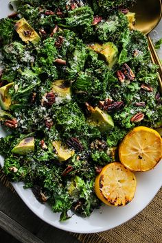 This grilled kale salad is paired with avocado, lemon, garlic, toasted pecans, and parmesan. Grilling kale makes it SO flavourful and a little crispy – it's one of my favourite salad recipes to date! #kale #salad #healthyrecipe Kale Salad, Avocado Salad, Salad Recipes, Healthy Recipes, Toasted Pecans, Dietitian, Palak Paneer, Parmesan, Pecans