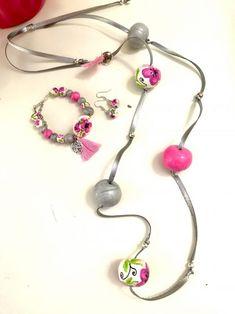 Κολιε από πολυμερικο πηλό με ζωγραφιστές χαντρες | | Tria-Aegina Jewelry Necklaces, Arts And Crafts, Handmade Jewelry, Beautiful, Fimo, Handmade Jewellery, Jewellery Making, Art And Craft, Diy Jewelry