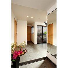 玄関の鏡も設計
