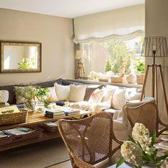 En El Mueble de abril encontraréis este piso. La interiorista Clara Valls lo reformó para llenarlo de luz y amplitud. ¡Feliz tarde! 🍀