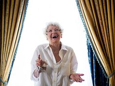 Elaine Stritch Given Starry Broadway Tribute http://www.people.com/article/elaine-stritch-paid-broadway-tribute
