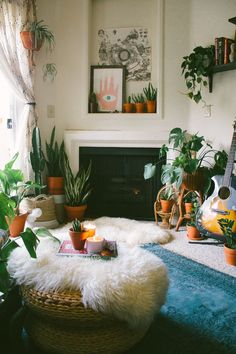 Cozy living room hid360.com Cozy Living Rooms, Living Room Decor, Home Decor Bedroom, Green Decoration, Bohemian House, Bohemian Gypsy, Hippie Chic Decor, Bohemian Decor, Apartment Design