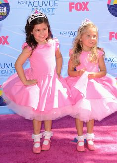 I adore these two - cutest girls ever #sophiagrace and #rosie at the Teen Choice Awards