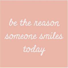 Een vriendelijk woord kost niets. Maar dat durven we allemaal wel eens vergeten, zéker op het internet en op sociale media. Vandaag is dé dag om daar iets aan te doen, want het is World Kindness Day! Wij drukken alvast onze favoriete quote af en hangen 'm omhoog op de redactie. Een geheugensteuntje kan nooit kwaad.