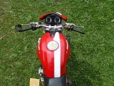 Ducati Monster S4r, Fire Extinguisher