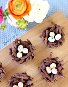 Chocoladenestjes met paaseitjes - Life By Rosie Cookie Monster Party, Pastry Art, Easter Brunch, Easter Recipes, Easter Ideas, Hard Candy, Cakes And More, Good Food, Fun Food