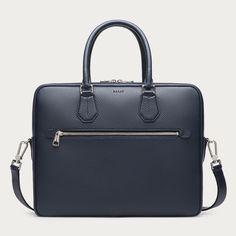 CONDRIA. Condriaビジネスバッグを購入する。グレインレザーを手作業で仕上げた、使い勝手の良い機能的なビジネスバッグ。