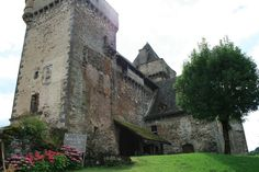Château de Messilhac, Auvergne, France Château Fort, Europe, French Chateau, Britain, Medieval, Bucket, Architecture, House Styles, Ancient Architecture