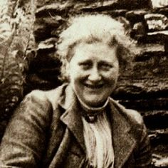 Detail of 1913 photograph of Beatrix Potter with her dog Kep at Hill Top Farm, Cumbria Lake District, England, UK. Beatrix Potter, English Writers, John Wright, Watercolor Pictures, The V&a, Victoria And Albert Museum, Peter Rabbit, Women In History, Lake District