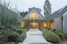 Dwell - For the Entertainer, This $5.5M Home in Southern California Fits the Bill - Photo 1 of 10