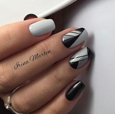 Grey and black nails negledesign, negle, negle design. Grey Nail Designs, Cool Nail Designs, Gray Nails, Black Nails, White Nails, Fun Nails, Pretty Nails, Elegant Nail Art, Nagellack Design
