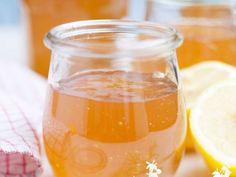 Holunderblüten-Apfelgele ist ein Rezept mit frischen Zutaten aus der Kategorie Gelee. Probieren Sie dieses und weitere Rezepte von EAT SMARTER!