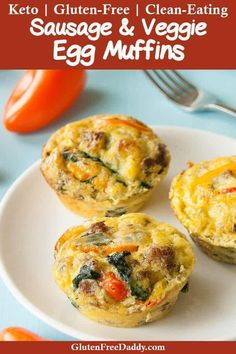 These quick Paleo egg muffins are really easy and versatile. I make them a lot and add or leave out things and they always turn out good. They are a good make-ahead high protein Paleo breakfast or snack. {Paleo, Gluten Free, Clean Eating, Dairy Free} via Muffin Recipes, Paleo Recipes, Breakfast Recipes, Cooking Recipes, Paleo Quick Breakfast, Breakfast Meat, Breakfast Bites, Free Recipes, Breakfast Frittata