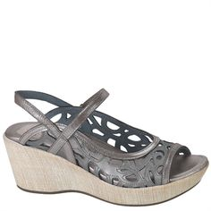 298b572eb9dbd0 DELUXE. Joanne Schrynemakers · naot shoes