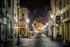 Bucharest at night Capital Of Romania, City Break, Eastern Europe, Places To Visit, To Go, Wanderlust, Facebook, Night, Photos