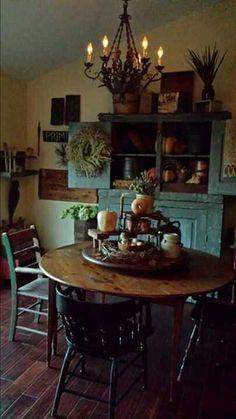 primitive decor under 10 dollars Primitive Dining Rooms, Country Dining Rooms, Primitive Furniture, Primitive Kitchen, Country Kitchen, Primitive Country, Primitive Homes, Prim Decor, Country Decor