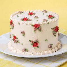 Flowery cake decorating idea that doesn't require piping actual flowers - Salvabrani Cake Icing, Buttercream Cake, Eat Cake, Cupcake Cakes, Frosting, Pretty Cakes, Cute Cakes, Beautiful Cakes, Amazing Cakes
