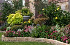 Back Yard Landscape , 7 Fantastic Designing Flower Beds : Flower Bed Designs