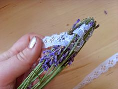 make woven lavender wardrobe scent sticks (tutorial)