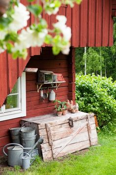Country living - Red Country barn , watering cans Swedish Cottage, Red Cottage, Red Houses, Red Farmhouse, Country Farm, Country Life, Country Living, Country Style, Swedish Style