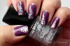 Thulian In Wonderland: Violettia glitterhöysteellä