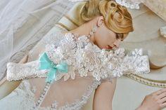 Podwiązka ślubna z piękną koronką z koralikami. - AnelisAtelier - Podwiązki