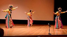 Amazing Batavian Traditional Dance -- Beautiful Culture of Indonesia. Javanese, Folk Dance, Yogyakarta, Belly Dance, Traditional, Dancing, Australia, Bellydance, Dance
