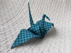 Tsuru em tecido / tsuru made of fabric  atelieviacolore@gmail.com