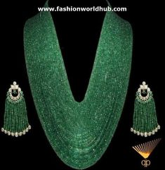 stunning Emerald necklace and polki earrings Emerald Jewelry, Beaded Jewelry, Jewelry Necklaces, Beaded Necklace, Emerald Necklace, Pearl Earrings, Pandora Jewelry, Tassel Earrings, India Jewelry