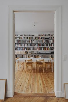 Atheorem Refurbishes Compact Apartment In Berlin's Mitte District - http://decor10blog.com/decorating-ideas/atheorem-refurbishes-compact-apartment-in-berlins-mitte-district.html
