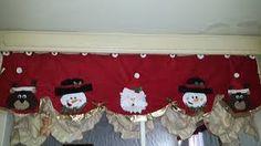 Resultado de imagen para cortinas navideñas con luces Cuisines Design, Christmas Decorations, Holiday Decor, Christmas Stockings, Advent Calendar, Merry Christmas, December, Santa, Home Decor